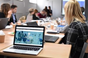 Hub creativi nelle accademie e nelle facoltà umanistiche: il progetto AHEH di Materahub